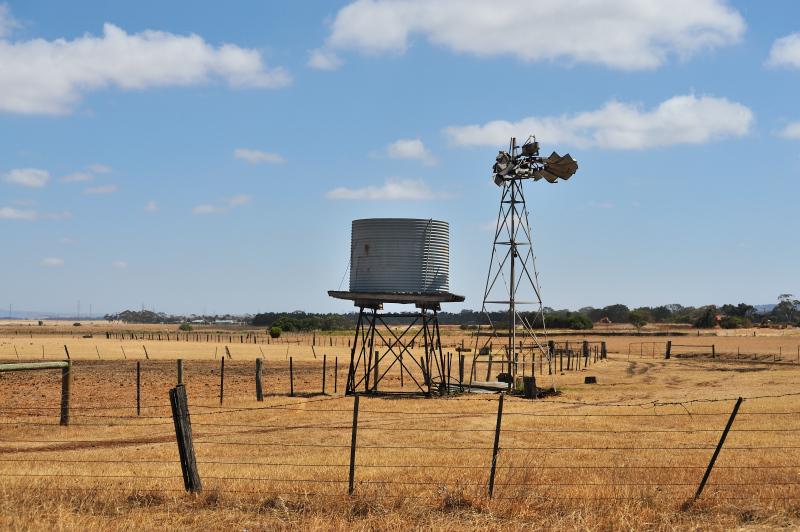 Broken windmill near Little River