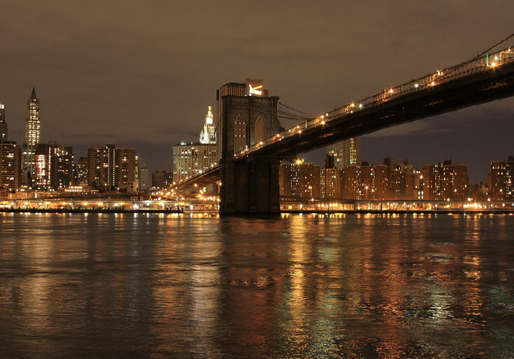 Brooklyn bridge and the downtown Manhattan