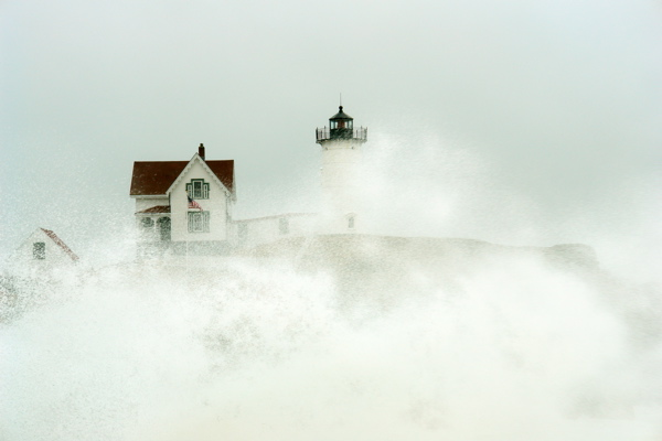 DSC02661.jpg wild noreater... shot thru windshield wipers, wild wind, very heave rain... can????
