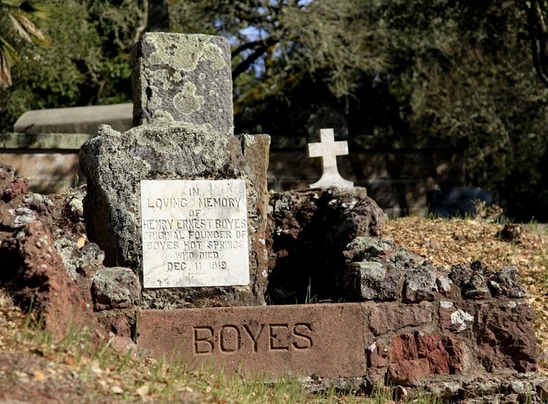 Boyes grave.jpg