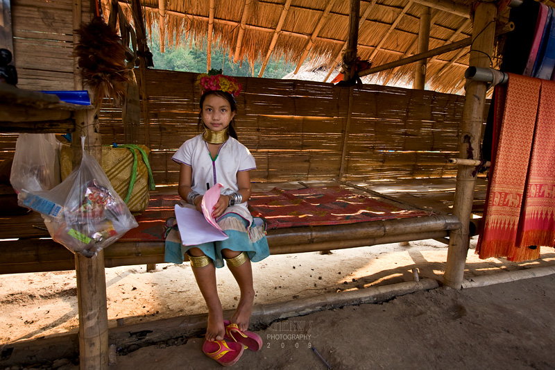 Sweet Padong long neck girl with home-work