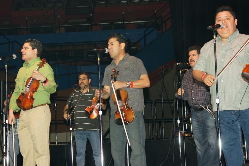 Los Camperos Sound Check - 02.jpg