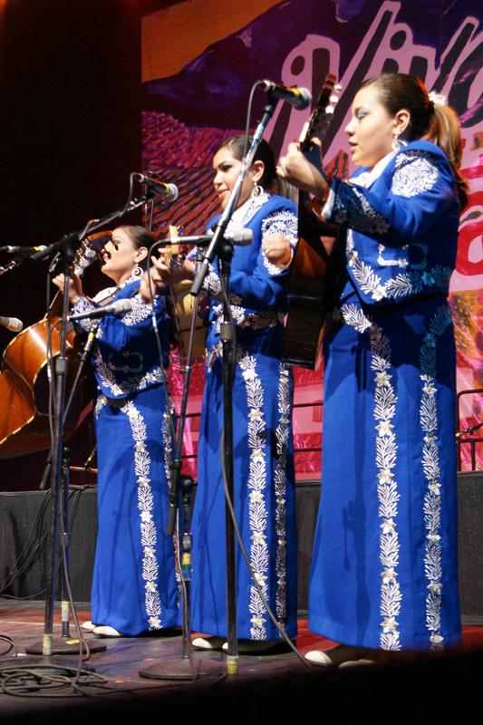 Mariachi Femenil Orgullo Mexicano - 09.jpg
