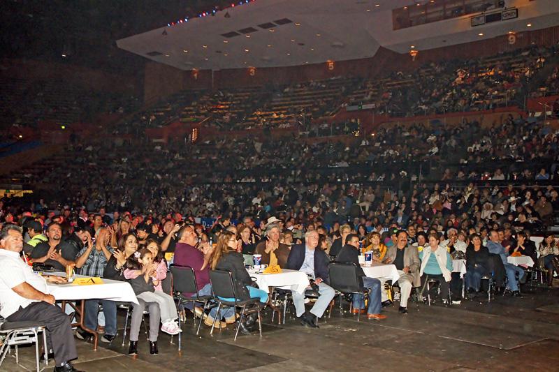 Mariachi Fans - 03.jpg