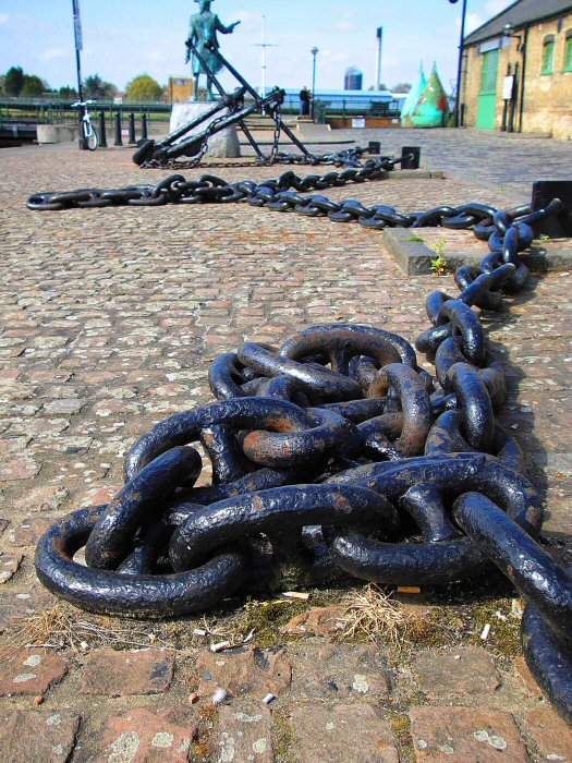 Vancouver_anchor chain.jpg