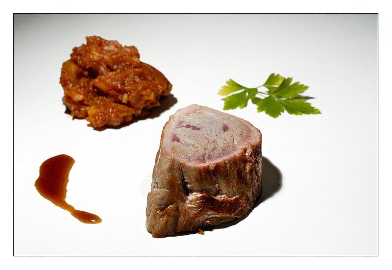 Solomillo de cerdo con salsa de PX y patatas revolconas