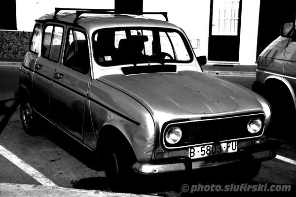 Old Spanish car