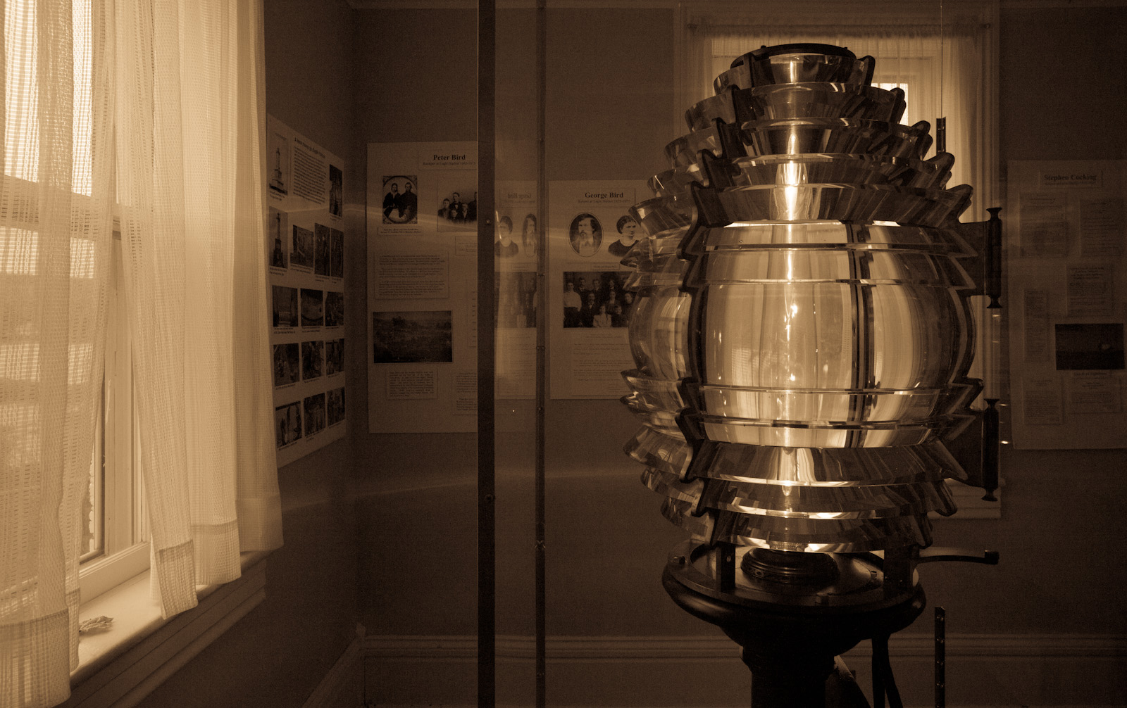 Fresnel Lens At Eagle Harbor Lighthouse<br>(Keweenaw_101312_083-3.jpg)