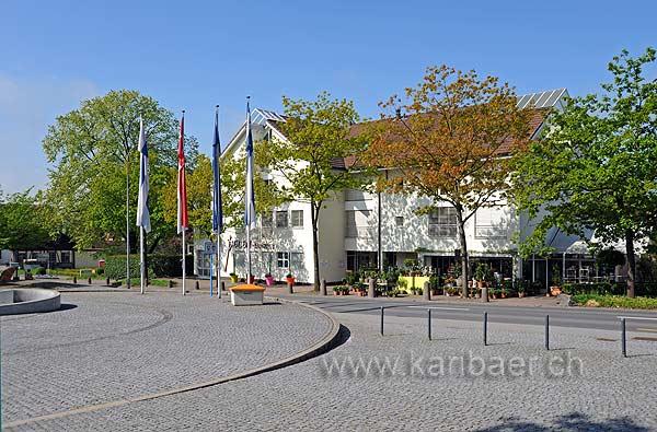Dorfplatz (94125)