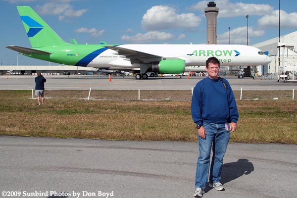 2009 - Dave Campbell in front of Arrow Air Cargo B757-225(F) N688GX on the annual photographers tour at MIA