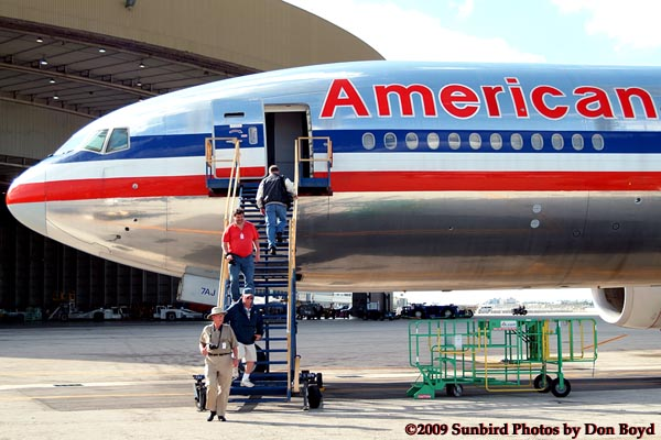 2009 - the annual photographers tour at Miami International Airport included Americans B777-223(ER) N778AN, photo #1490