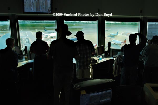 2009 - the annual photographers tour in the J-Tower at Miami International Airport, photo #1505