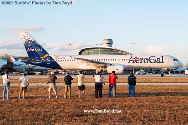 2009 - the annual photographers tour at MIA with Aerogals B757-236 HC-CHC taxiing in the background at MIA, photo #1516