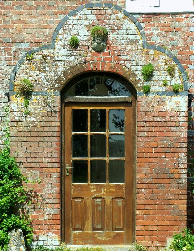 DISTINCTIVE DOORWAY