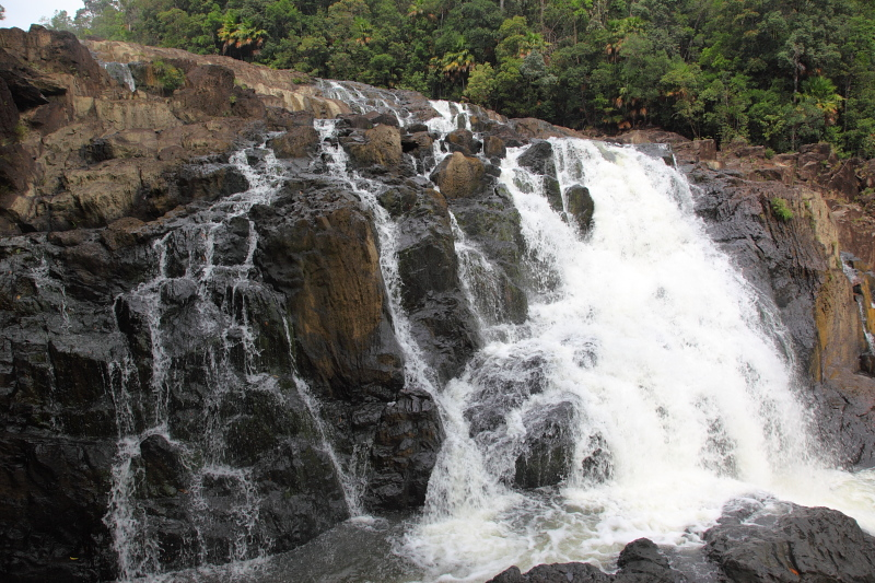 Buaya Sangkut Waterfalls
