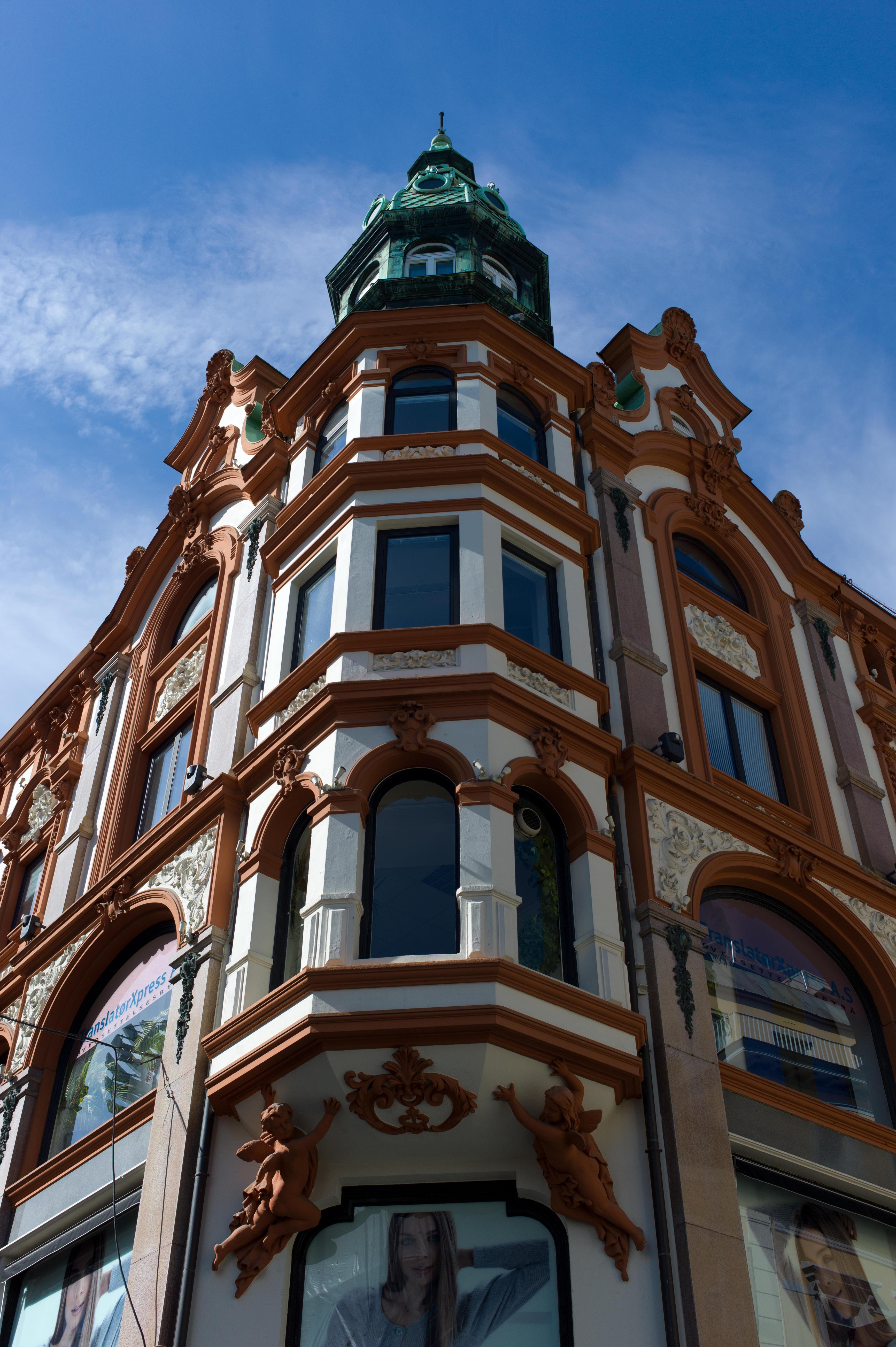 Oslo Building 01