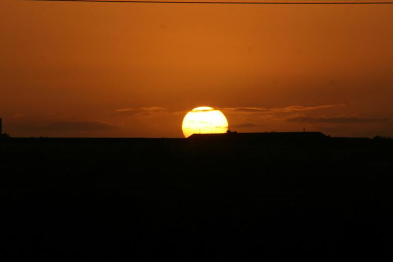 I østen stiger Solen op