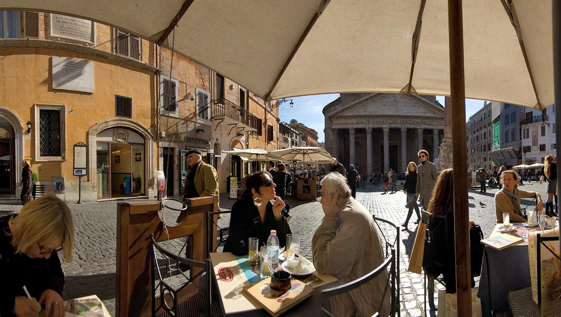Resting at the Piazza della Rotonda