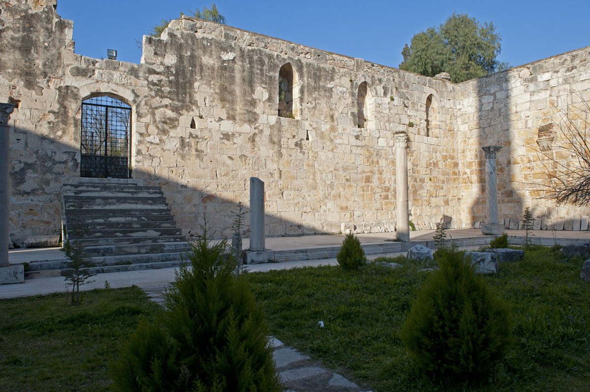 Selcuk Isa Bey Mosque March 2011 3423.jpg