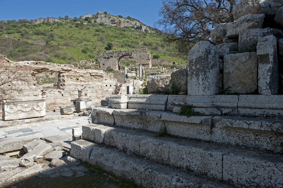 Ephesus March 2011 3725.jpg