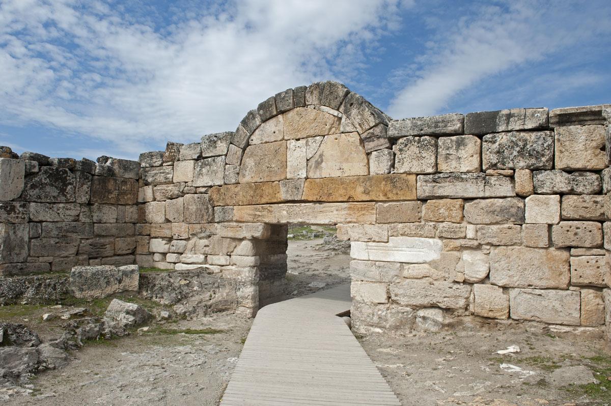 Hierapolis March 2011 4834.jpg
