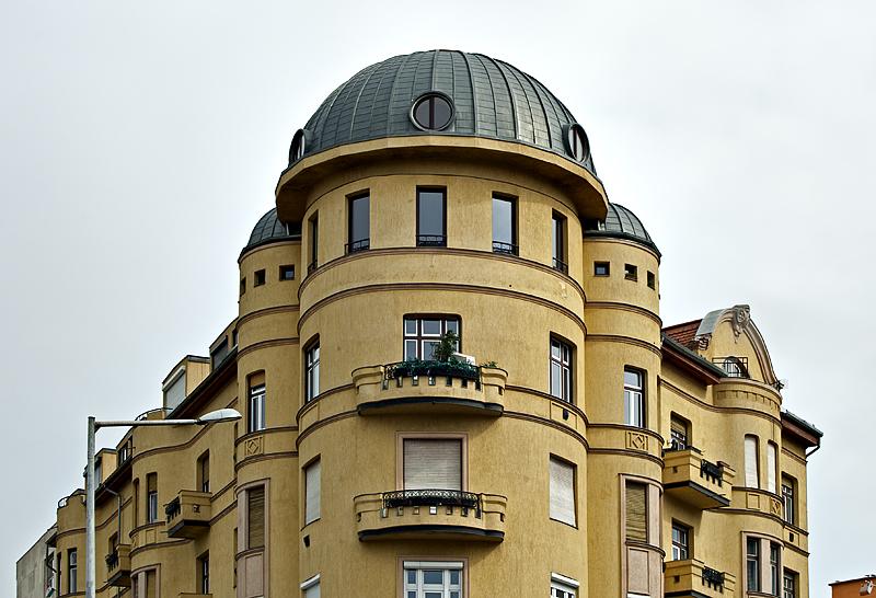 Unusual building on Moszkva tér