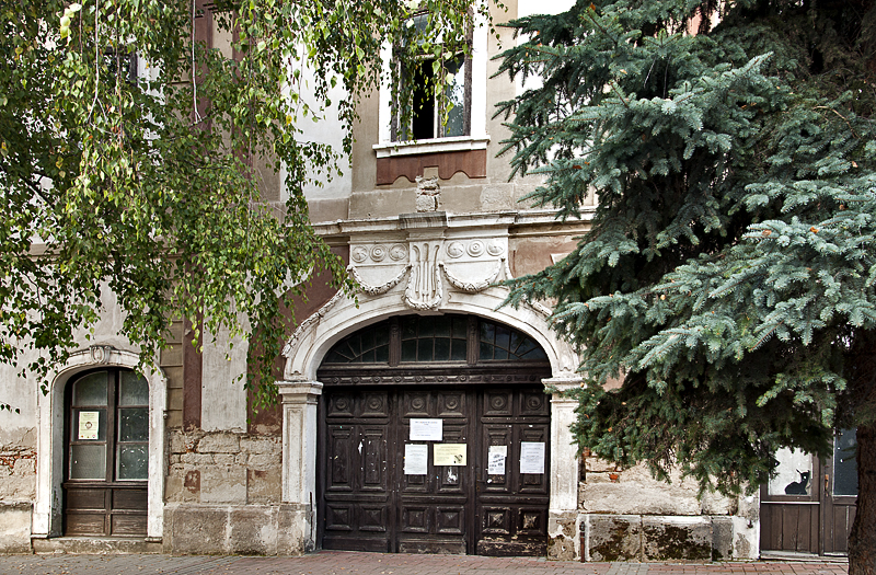 Imposing door