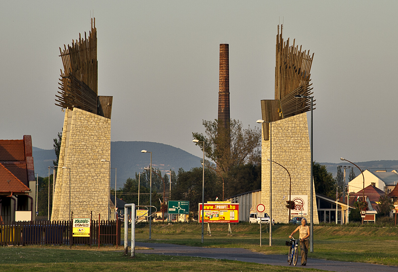 Szerencs, monumental entry to the town