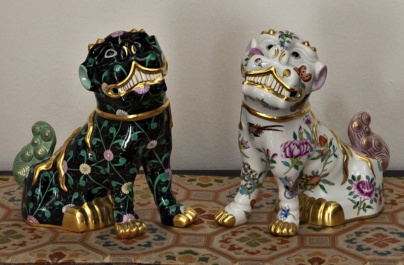Lion dogs (shisa)