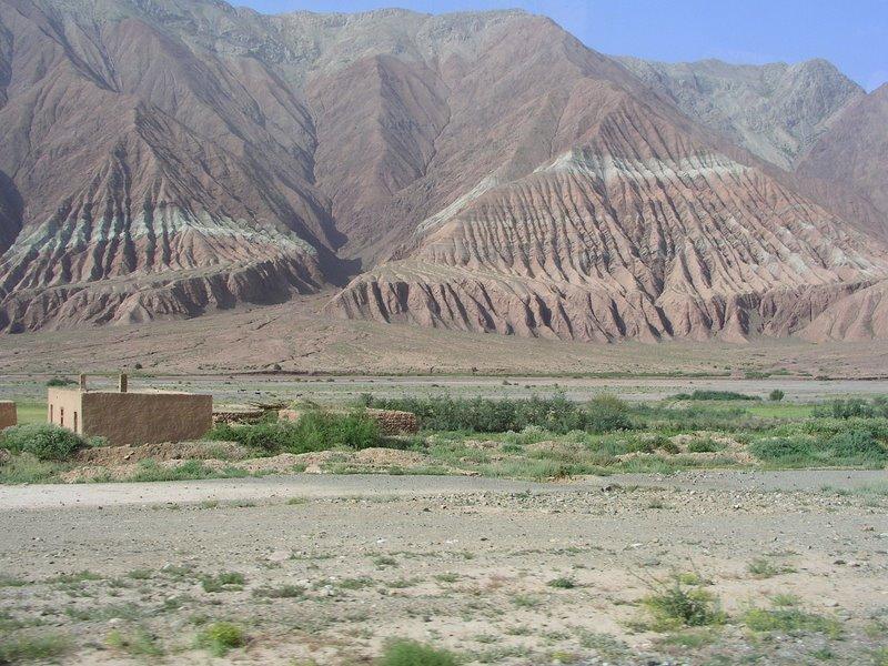 Scenery - Climbing towards Irkeshtam Pass
