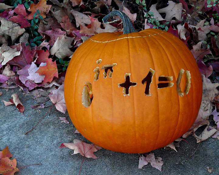 A CALCULATING  PUMPKIN ..... NOW, THATS USING YOUR GOURD!