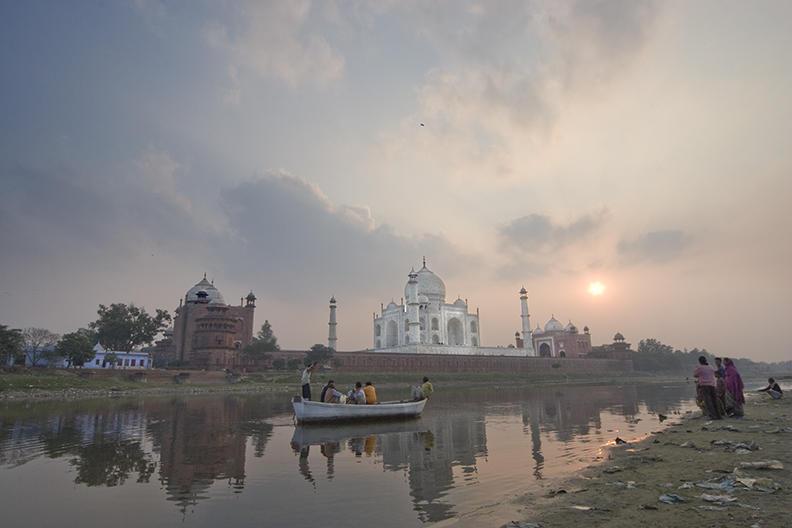 india, taj mahal 2005