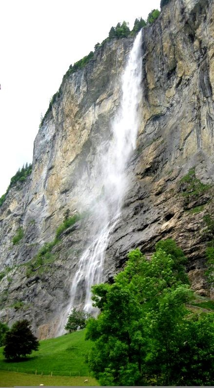 Cascada Staubbach. Switzerland