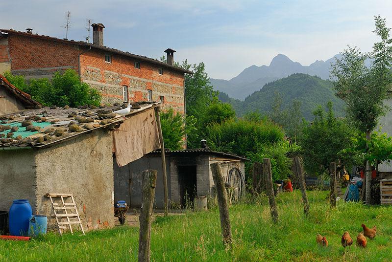 140 Garfagnana farmhouse.jpg