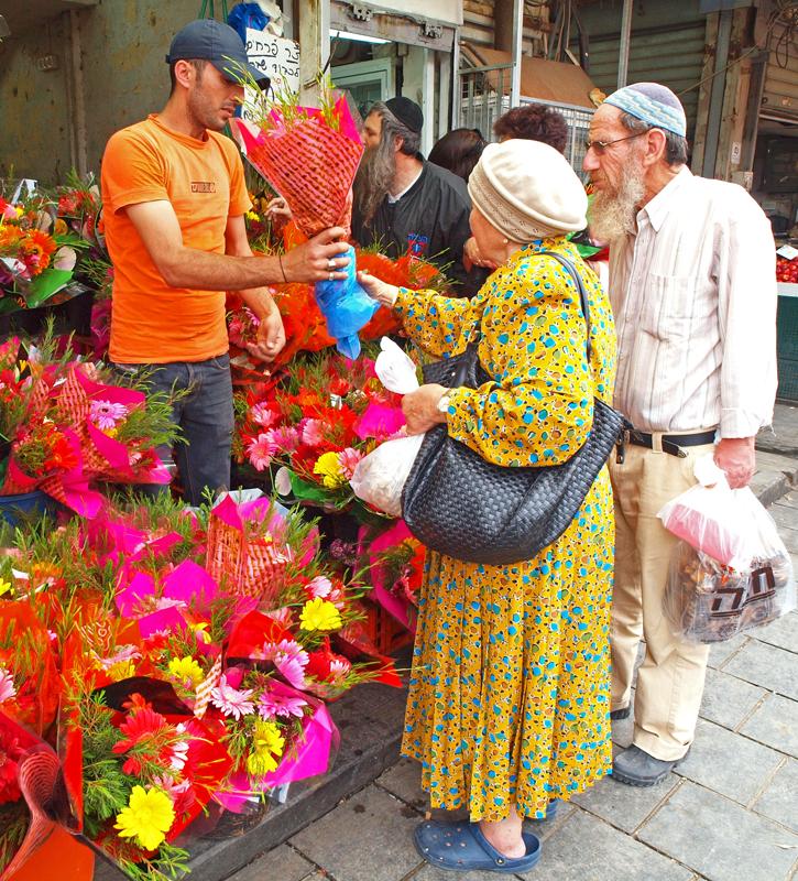 P5201506_flowerseller_800.jpg