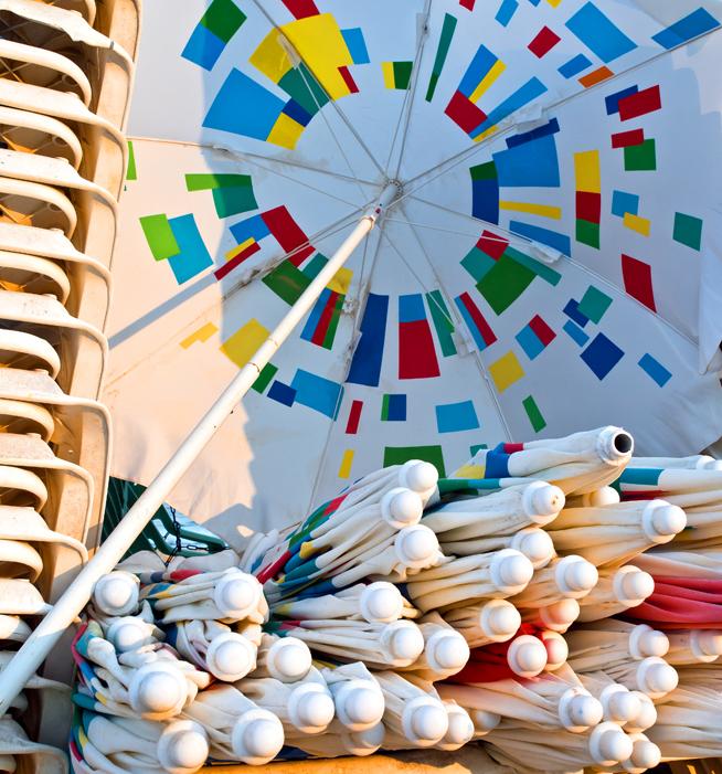 P9120007_umbrellas_8_crop.jpg