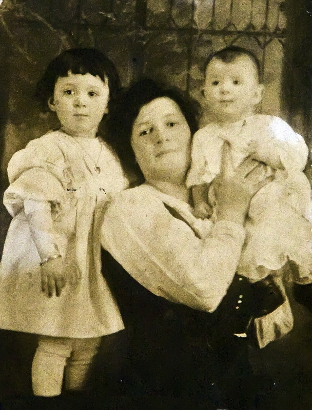 W-nanny Alice with my mother and aunt in the 19 teens