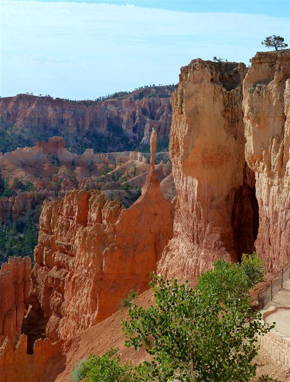 128 Bryce Canyon Navajo Queens Hike 3.jpg