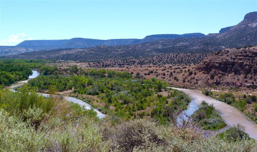 877 near Ghost Ranch NM.jpg