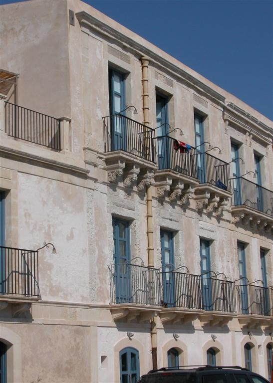 452 Hotel Gutkowski annex.JPG