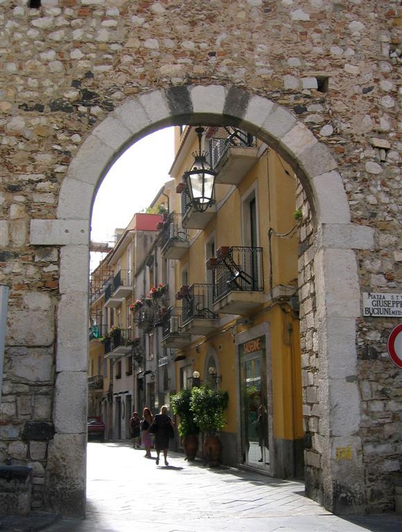 582  Catania Gate Taormina.JPG