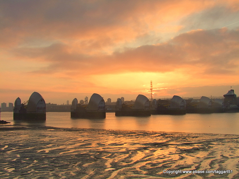 Sunrise over the Thames Barrier (1)