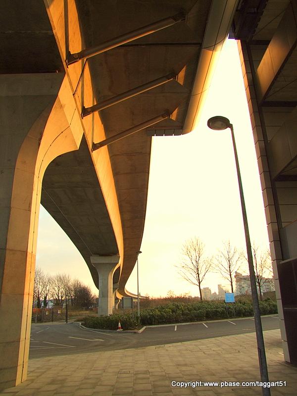 Pontoon Dock station DLR,from below