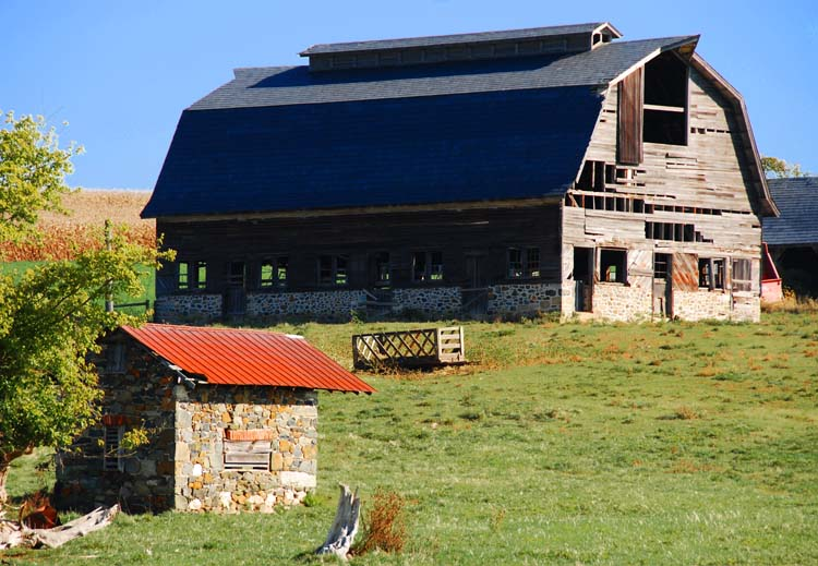 Love These Old Barns!