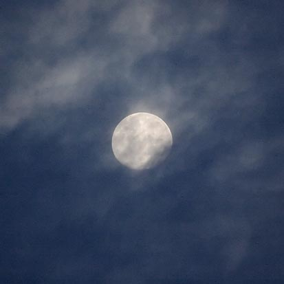 Moon & Clouds 74544