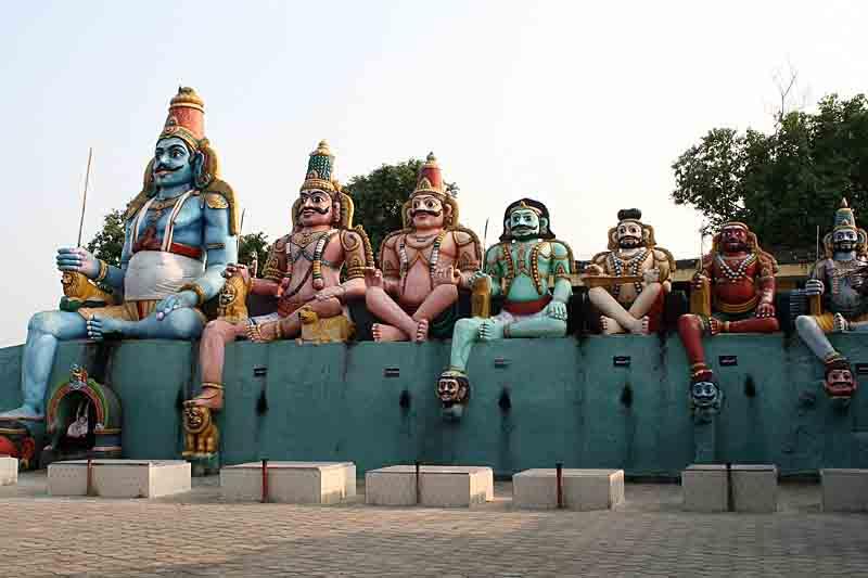 Giant statues of Ayyanars companion gods at Pachaiamman Kovil near Thiruvakkarai.  http://www.blurb.com/books/3782738