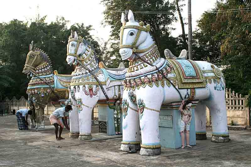 Villaiyandavar koil, Ayyanar temple on river island near Anaikarai. http://www.blurb.com/books/3782738