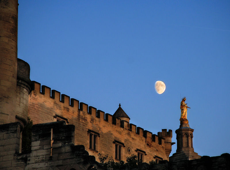 Morning moon over the Popes abode