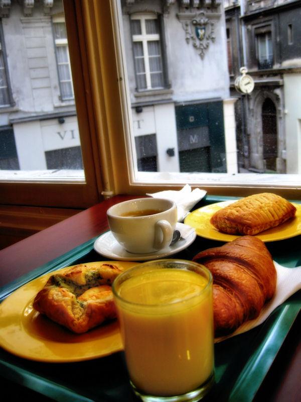 Breakfast in Avignon...