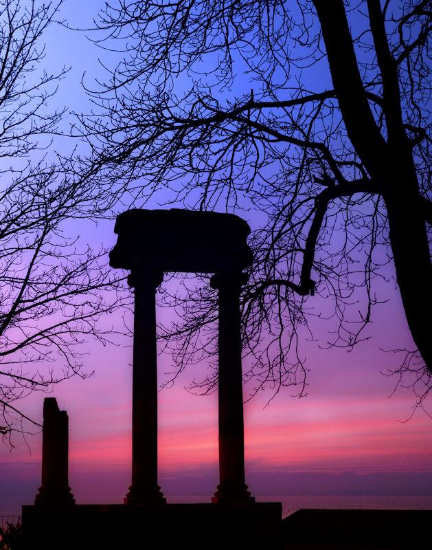 Morning behind the Roman pillars...